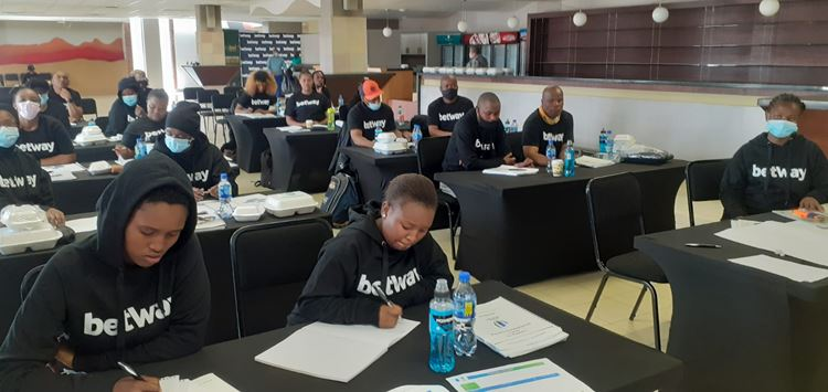 Cheetahs Women's Rugby assistant coach encourages training of female coaches